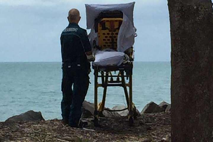 Напути в поликлинику мед. работники показали парализованной женщине океан