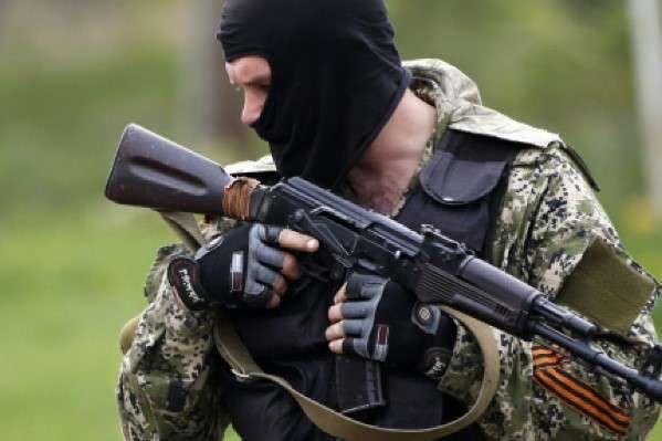 НаДонеччині наблокпосту затримали активного «гвардійця ДНР»