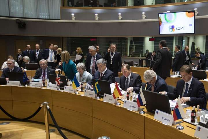 Україна розраховує на«чотири союзи» з ЄС— Порошенко уБрюсселі