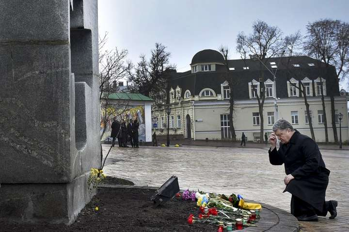 УХмельницькому вшанують пам'ять жертв голодоморів: охочих запрошують прийти намайдан Незалежності