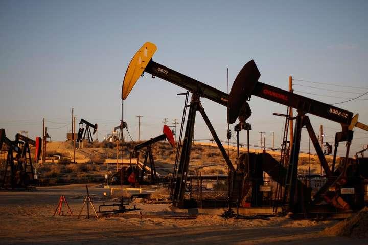 Насаміті ОПЕК домовилися продовжити обмеження навидобуток нафти