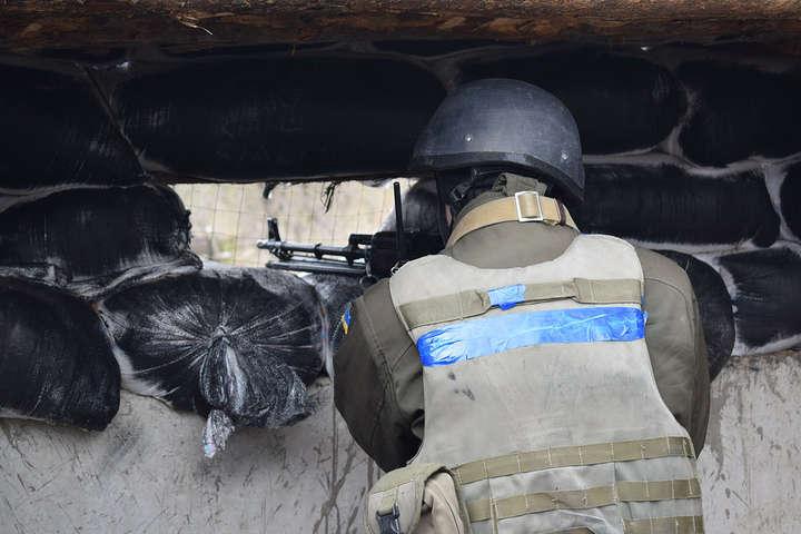 Штаб: Узоні АТО загинув військовий