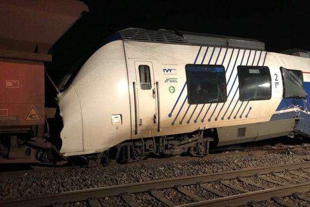 У Німеччині зіткнулися пасажирський і вантажний потяги: постраждало 47 осіб
