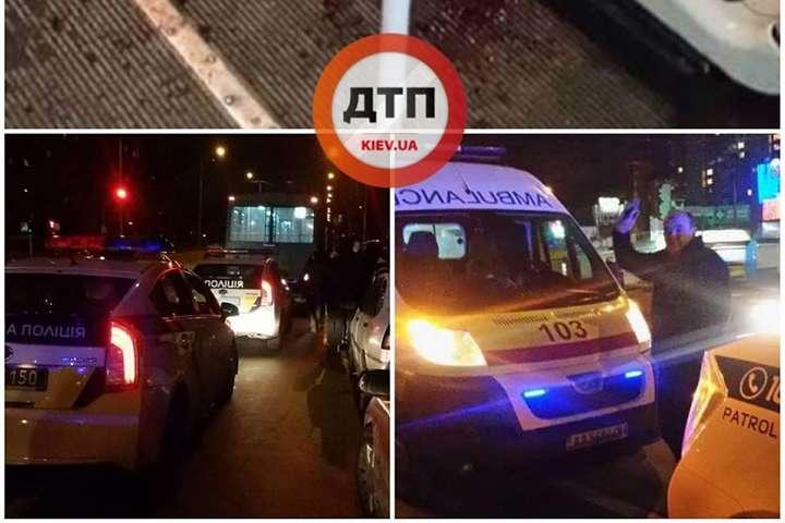 НаТроєщині п'яні пасажири влаштували бійку утролейбусі, є постраждалі