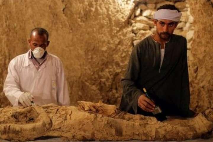 У Єгипті згробниці дістали мумію віком 3,5 тисячі років