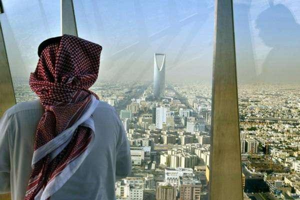Впервый раз за35 лет: вСаудовской Аравии откроют социальные кинотеатры