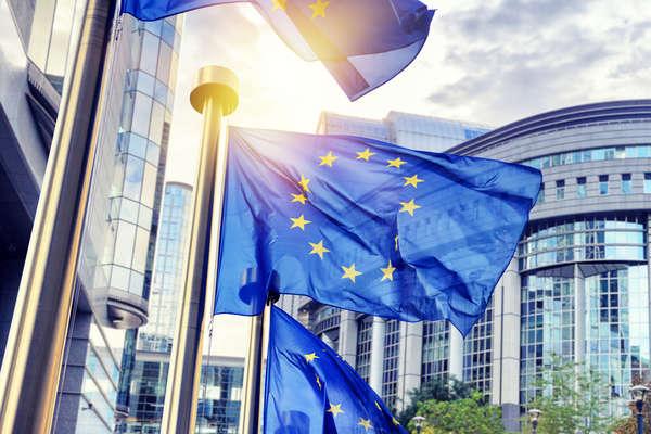 Євросоюз веде переговори про членство Сербії і Чорногорії