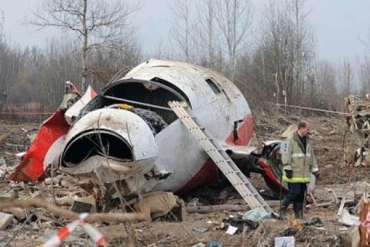 Смоленська катастрофа: у Польщі заявили про докази двох вибухів на борту літака