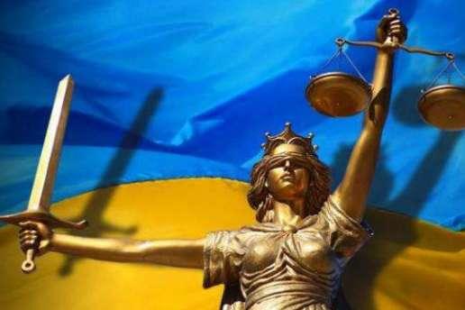 Порошенко внесе вРаду свій варіант законопроекту про Антикорупційний суд