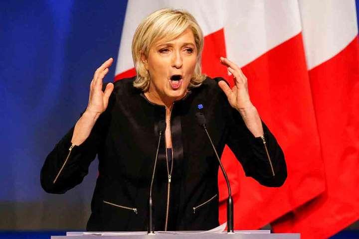 Марін ЛеПен заявила про підтримку Путіна навиборах вРосії