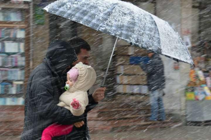 Погода на 18 грудня: дощі, сніг та ожеледиця