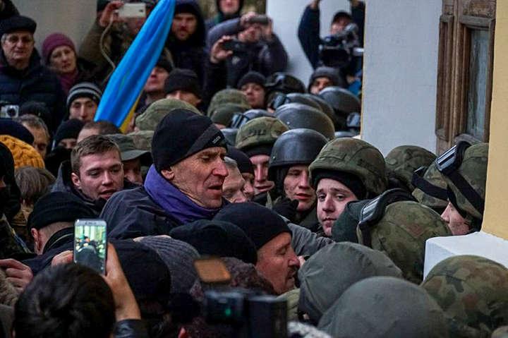 Тисяча правоохоронців охороняють акцію уцентрі Києва