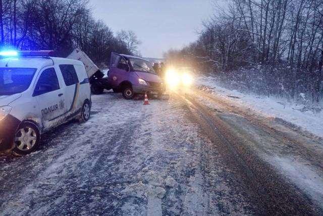 ВоЛьвовской области случилось ДТП сучастием маршрутки: восемь человек пострадали