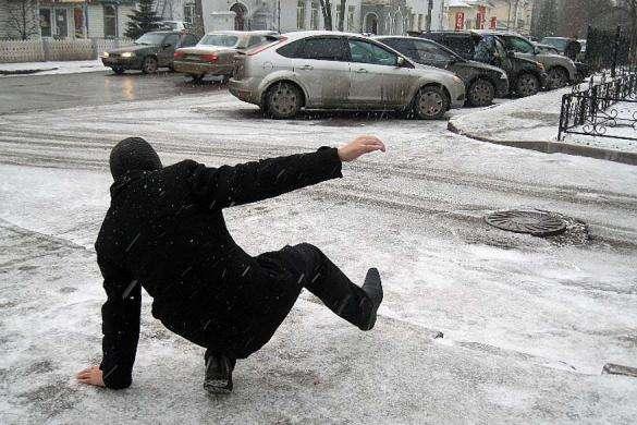 Синоптик: Завтра наЗаході випаде сніг, апотім потепліє до +3
