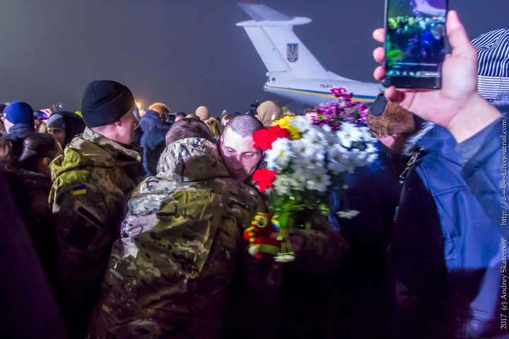 Кожному зі звільнених українських заручників дадуть 100 тис. грн