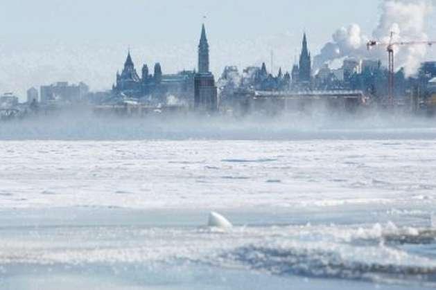 Устолиці Канади скасували новорічні святкування