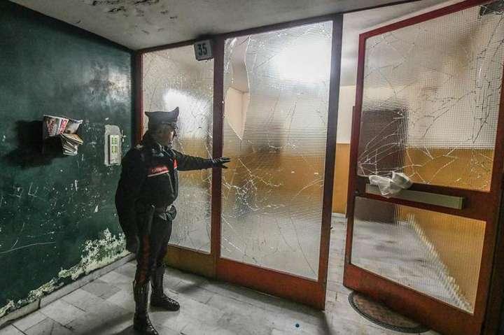 В італійському Турині всміттєвому баку вибухнула саморобна бомба, є поранені