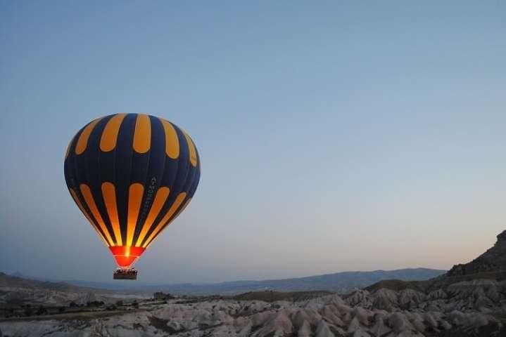 У Єгипті впала повітряна куля зтуристами, є загиблий
