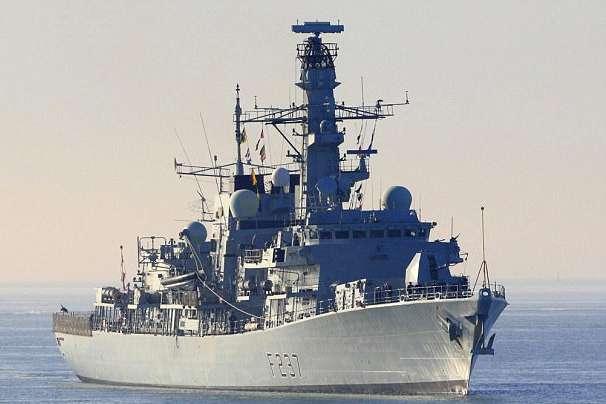 Велика Британія відправила фрегат наперехоплення декількох кораблів ВМФРФ