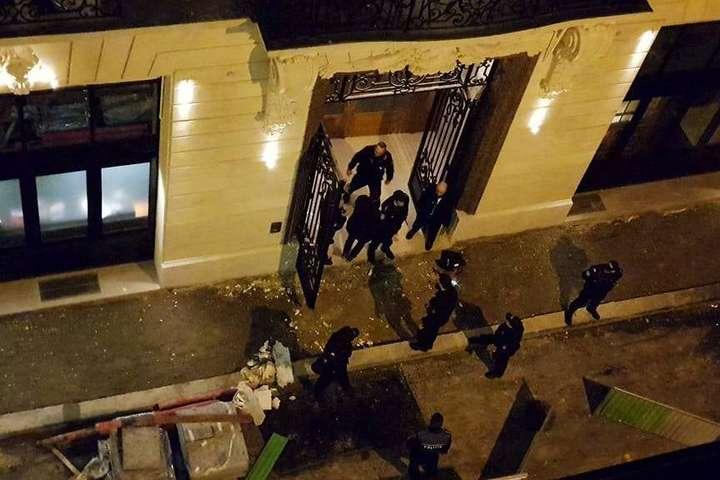 Грабіжники зсокирами вкрали коштовності насуму 4 млн євро