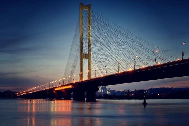 УКиєві перекриють рух на Південному мостовому переході