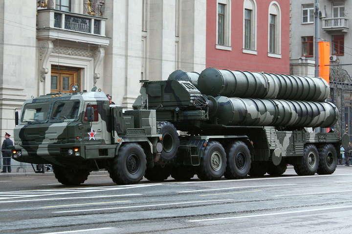 Росія розмістила ванексованому Криму щеодин дивізіон комплексів С-400