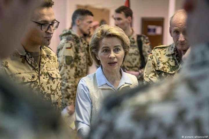 Міністерка оборони ФРН відвідала контингент Бундесверу вЙорданії
