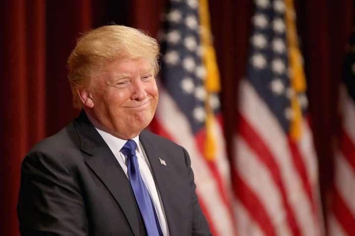 Сенатор США критикує Трампа, який використав термін Сталіна