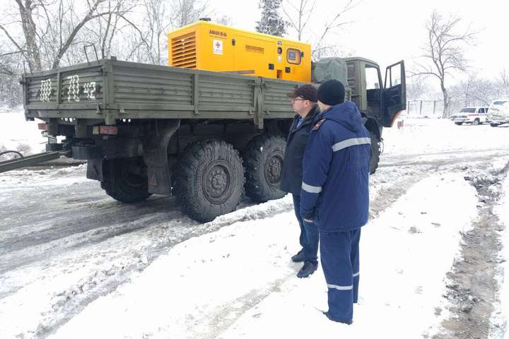 Керівник Одещини Степанов доставив дизель-генератори в Арциз для відновлення роботи лікарні та водоканалу