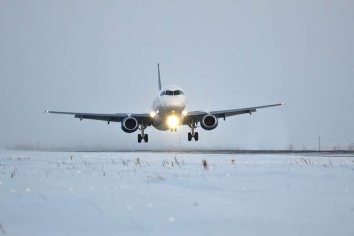 Ваэропорту Запорожья из-за снегопада задерживаются рейсы