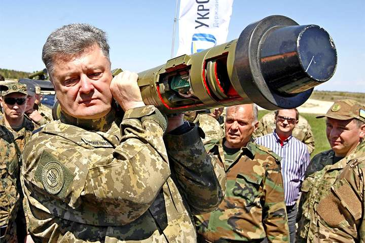 Порошенко поставив крапку упитанні присутності ноземних військових вУкраїні