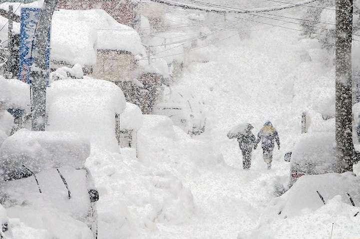 Погода на 9 лютого: Синоптики обіцяють плюсову температуру та сильний сніг