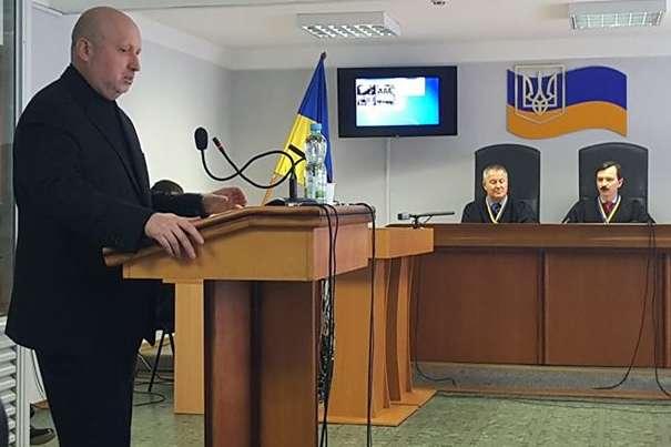Секретар РНБО Олександр Турчинов дає свідчення в Оболонському районі міста Києва дає свідчення по справі про держзраду Януковича