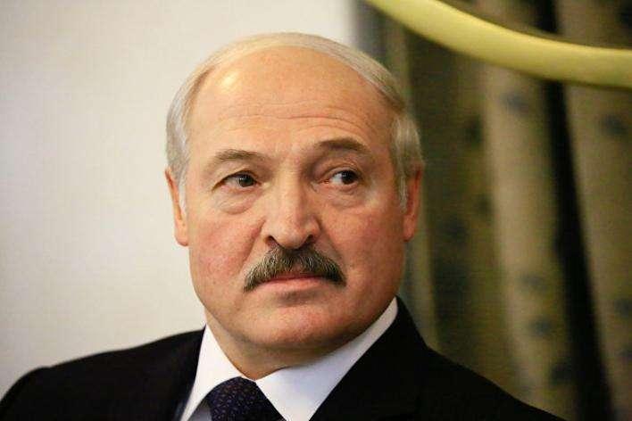 Лукашенко відправить миротворців наДонбас, якщо Путін і Порошенко домовляться