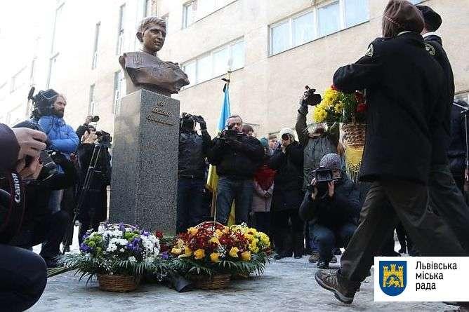 Пам'ятник Герою Небесної Сотні Ігорю Костенку