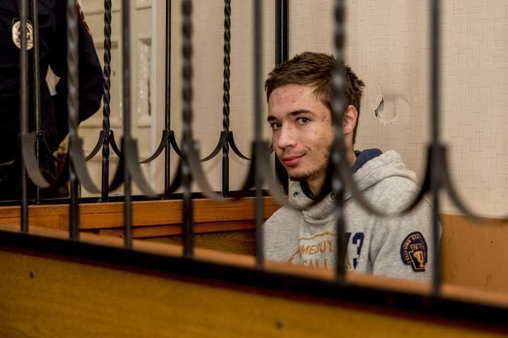 Вперше спілкувалися українською: довикраденого Гриба вРосії пустили консула