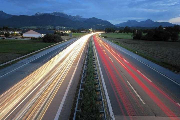 Чискоро в Європу: названі терміни появи першої платної дороги