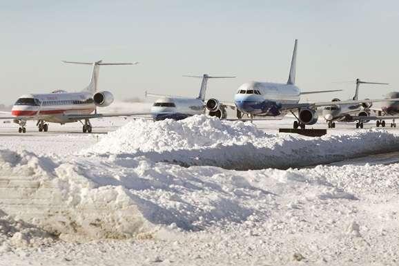 УЗапоріжжі літак викотився замежі злітної смуги