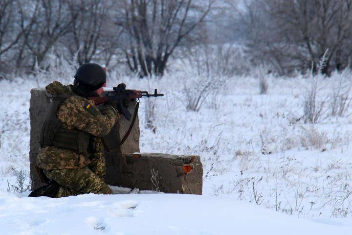 Штаб: Бойовики продовжують стріляти звеликого калібру