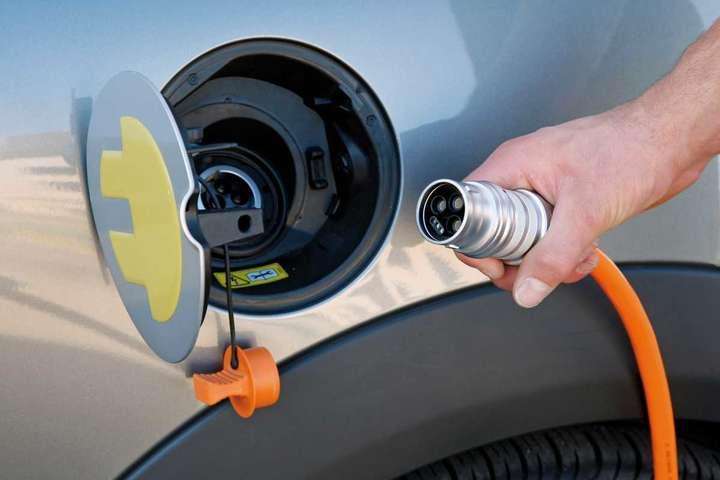 Електромобілі вУкраїні можуть подешевшати на23%