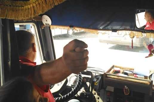 СБУ на Донеччині поспілкується з водієм, який не розуміє «козячої мови»