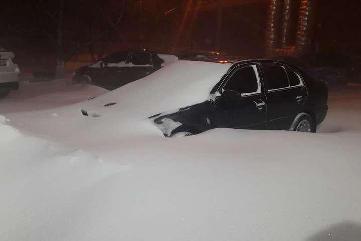 УДніпрі через снігопади— додаткові вихідні таканікули
