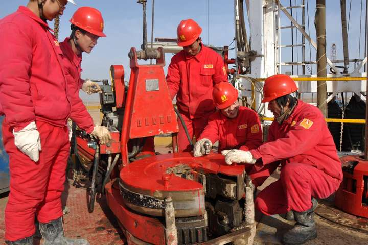 Китайська нафтосервісна компанія пробурить свердловину в Україні