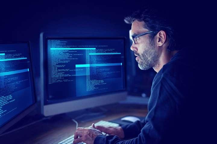 Хакери викрали дані 5 млн банківських карт
