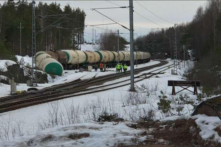 Екокатастрофа у Фінляндії: 50 тис. літрів ефіру витекло унавколишнє середовище