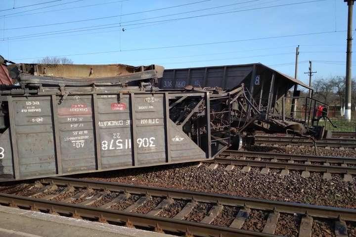 Рятувальники розповіли деталі аварії вантажного потяга наЛьвівщині