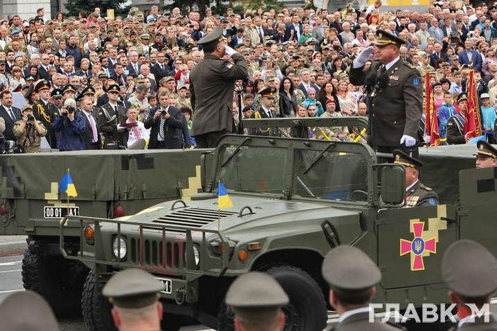 Порошенко підписав указ про проведення військового параду уКиєві наДень незалежності