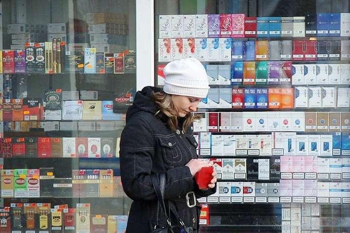 Україна перетворюється на шовковий шлях для нелегальних сигарет?