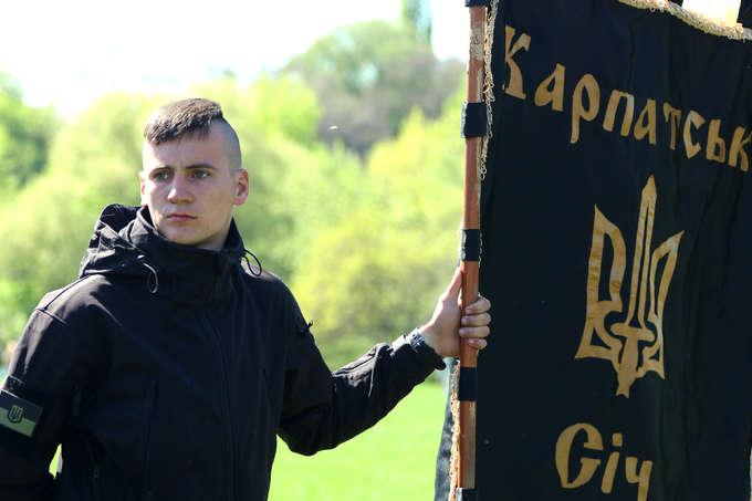 УКиєві відкрили пам'ятник загиблому солдату АТО
