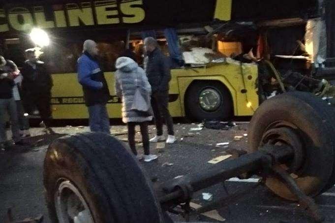 Автобус зукраїнцями потрапив устрашну ДТП в Європі: опубліковано фото
